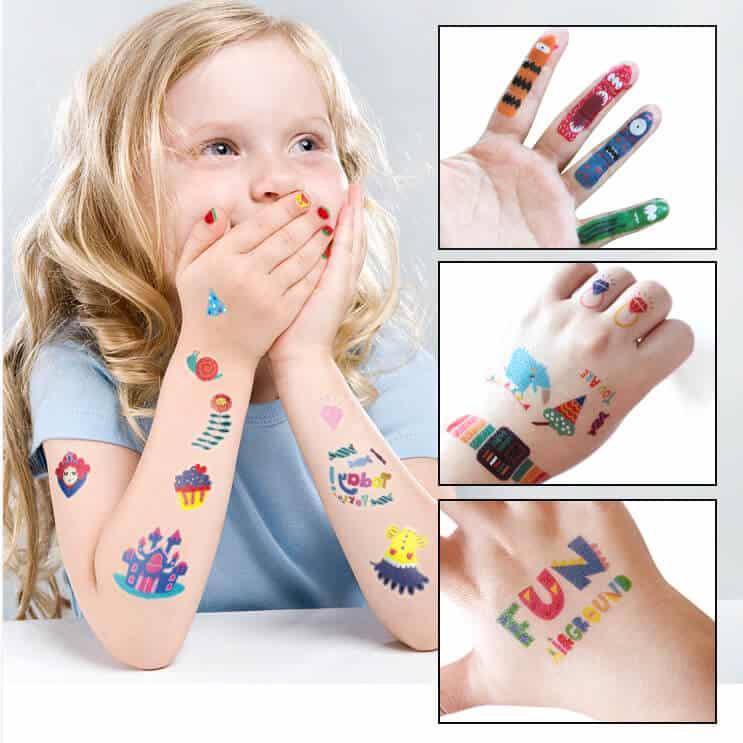 temporary tattoos and nail stickers for boys and girls แทททูและสติ๊กเกอร์เล็บ(ชมพู)