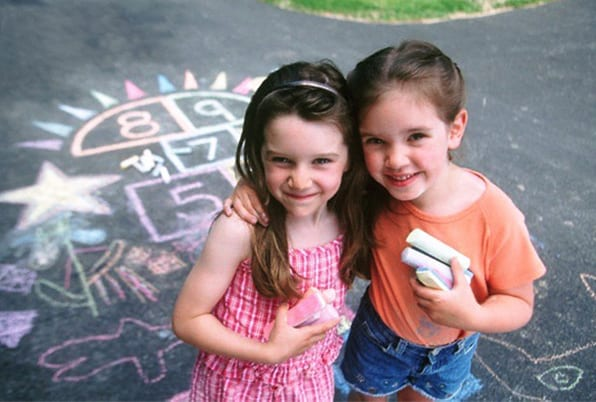 Joan Miro Big chalk Family ดินสอสีชอล์ก(side walk)