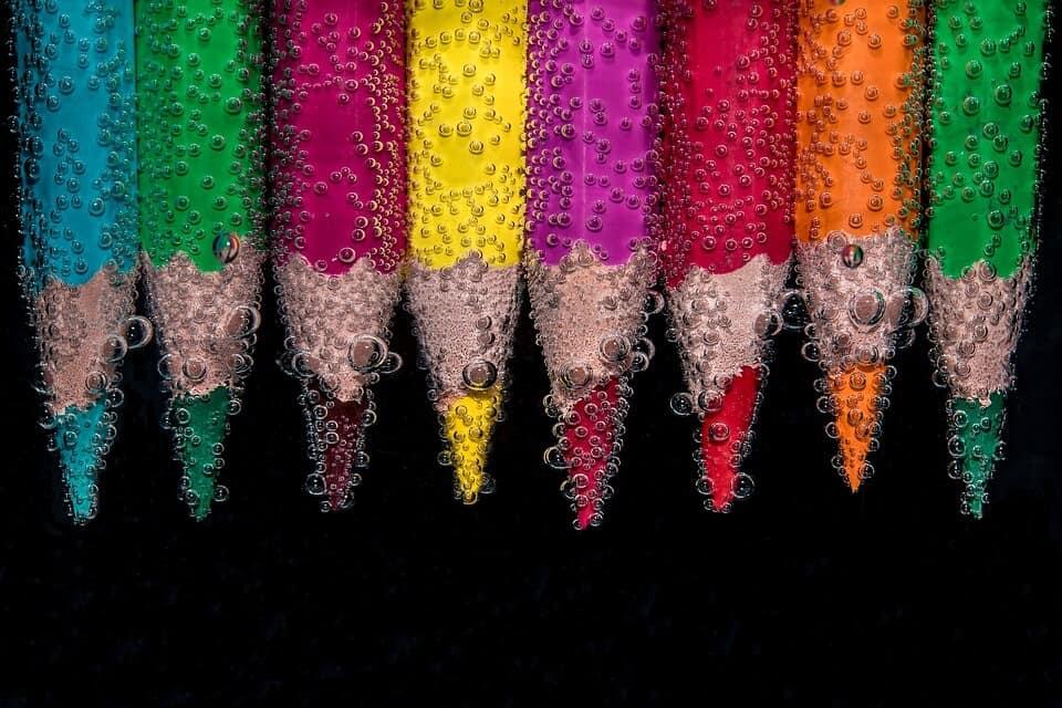 วิทยาศาสตร์กับความไม่ธรรมดาของสี
